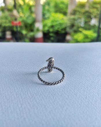 Seahorse Ring – Love The Oceans Collection